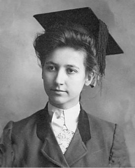 Portrait of Beulah Kincaid. The Woman's Collection, Texas Woman's University.